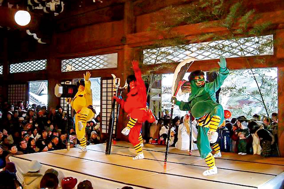 Honjoji Ogre Dance and Bean Throwing Ceremony